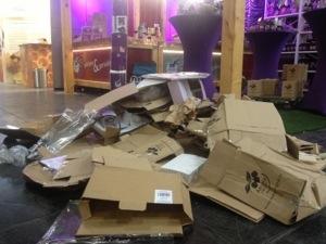 Das Chaos am Messe-Stand (vor der Eröffnung)