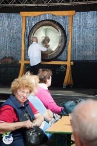 Eröffnung mit einem Gong