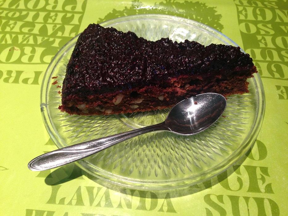 Tobis Karotten Nuss Kuchen mit Aronia-Topping