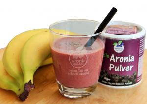 Veganer Aronia-Smoothie mit Chia & Banane