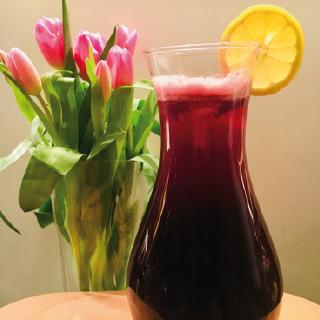 fruchtiger Eistee mit Aronia + Granatapfel
